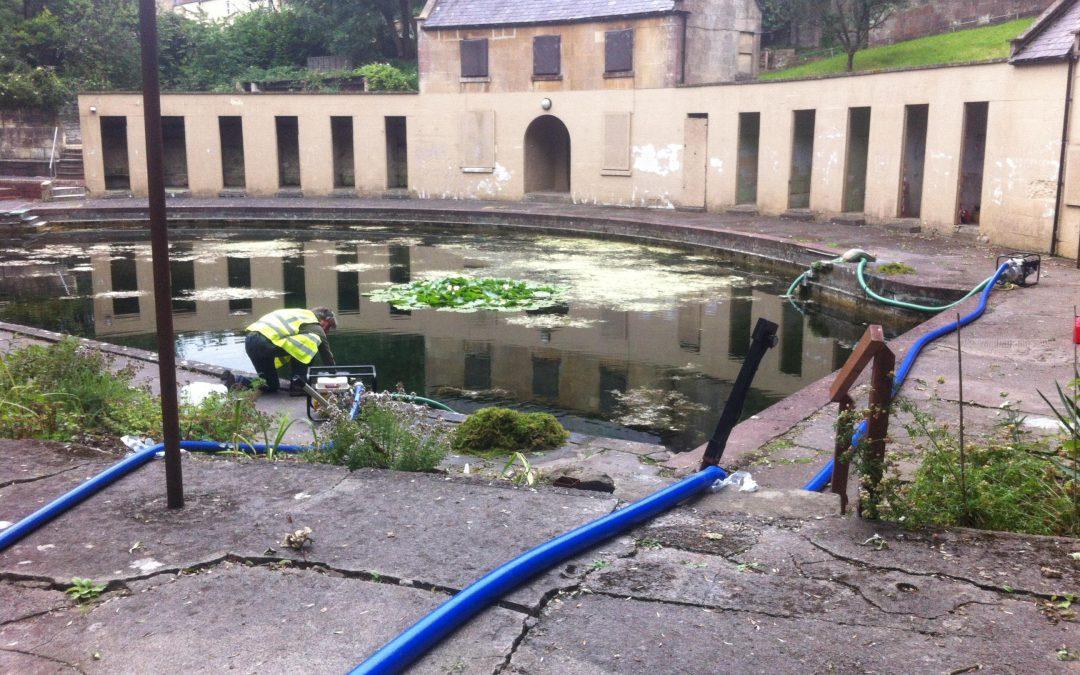 Bath Lido Fish Rescue
